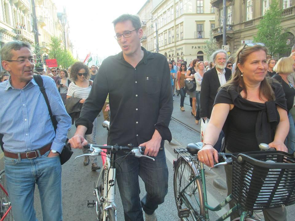 Tüntetésen biciklivel