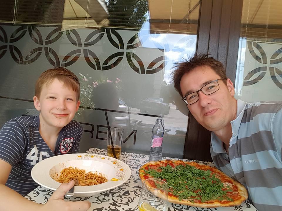 pizzázás